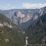 Bajando desde Big Oak Flat hacia el Valle de Yosemite
