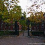 Verja de entrada a Harvard Yard