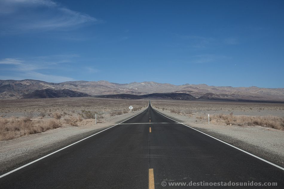 Carretera en Death Valley