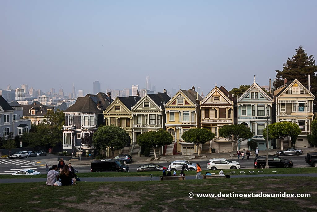 Golden Ladies, en Alamo Square