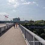 Cruzando el puente entre Canadá y USA